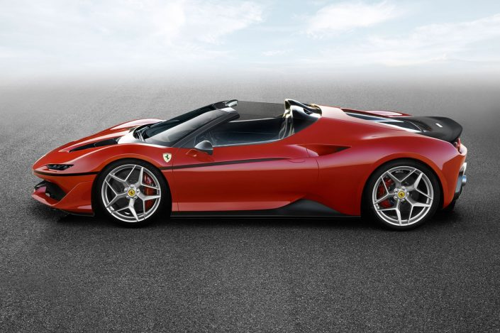FERRARI – To commemorate the 50th anniversary in Japan, Ferrari revealed a new strictly limited series of the bespoke cars, the J50